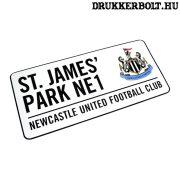 Newcastle United FC utca tábla - eredeti Newcastle utcanévtábla
